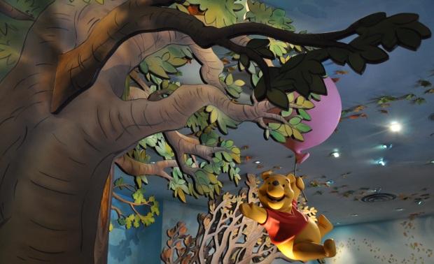 Hong Kong Disneyland Pooh 2