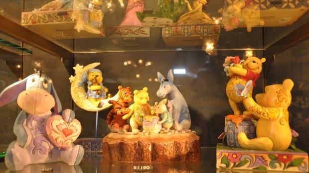 Hong Kong Disneyland Pooh